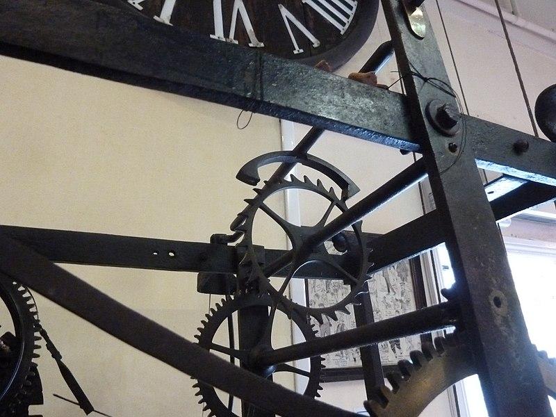 File:Escapement, Combe Martin clock, Ilfracombe Museum.jpg