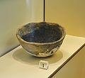Escudella modelada, període del Bronze mitjà valencià, museu de Ceràmica de València.JPG