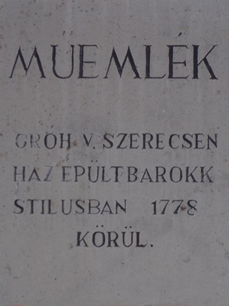 File:Esztergom 2016, Széchenyi tér 7, tábla.jpg