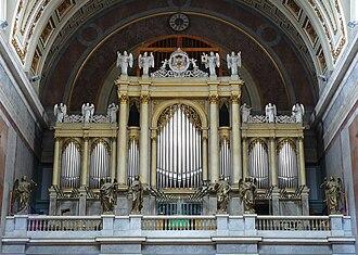 Esztergom Basilica - The organ in Esztergom Basilica
