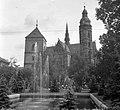 Fő tér (Hlavné namestie), Szent Erzsébet-főszékesegyház (Dóm), előtte az Orbán-torony. Fortepan 23463.jpg