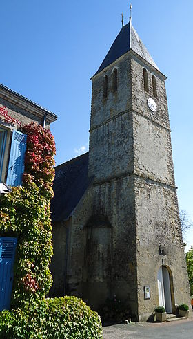 Le clocher de l'église Saint-Pierre.