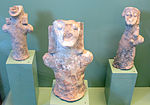 Figurine umanoidi in terracotta, da tomba a couccia T339, 625-600 ac. ca 03.JPG