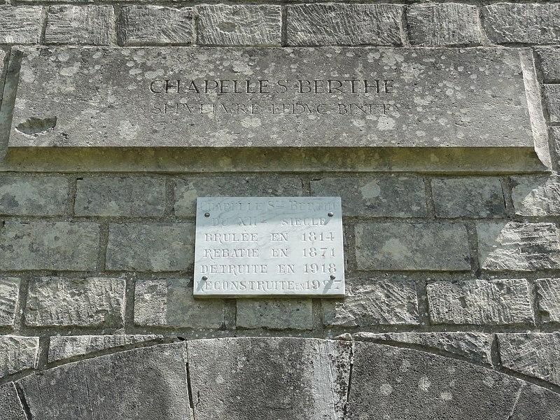Filain (Aisne) chapelle Berthe, plaque 1