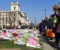 Flowers for the Westminster Attack in Parliament Square, 27 March 2017 (32871801473).jpg