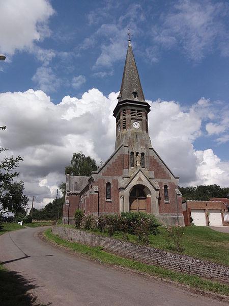 Fluquières (Aisne) église Saint-Médard