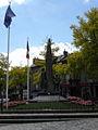 Fougères (35) Monument aux morts.jpg