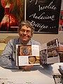 Francis Debaisieux à la foire du livre 2010 de Brive la Gaillarde.JPG