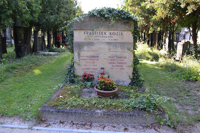 File:František Kožík hrob.jpg
