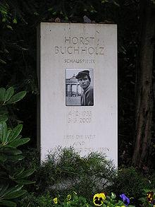 ホルスト・ブッフホルツ - ウィキペディアより引用