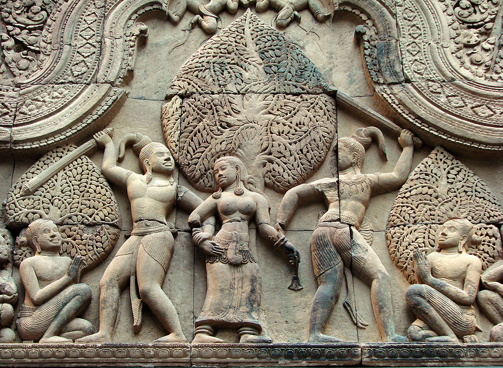 Fronton Cambodge Musée Guimet 9972.jpg