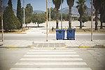 Fußgängerüberweg zum Parkplatz des Flughafens Athen-Elliniko.jpg