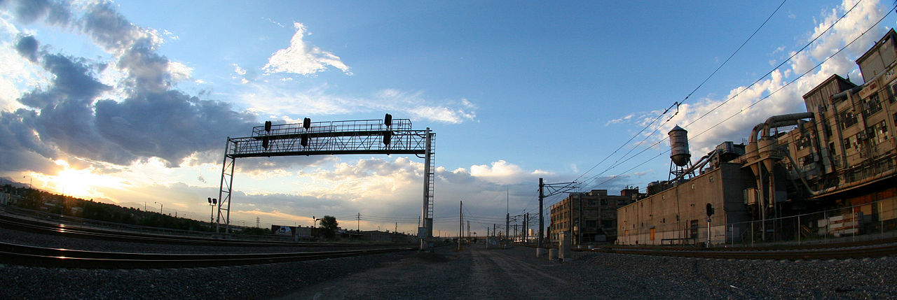 What Is Rubber Made Of >> File:Gates Rubber, railroadtracks.jpg - Wikimedia Commons