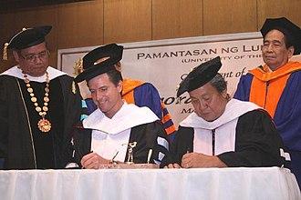 University of the City of Manila - San Francisco City Mayor Gavin Newsom and Manila Mayor Lito Atienza during the renewal of the memorandum of understanding, cooperation and exchange programs between the City College of San Francisco and the PLM, 2006.