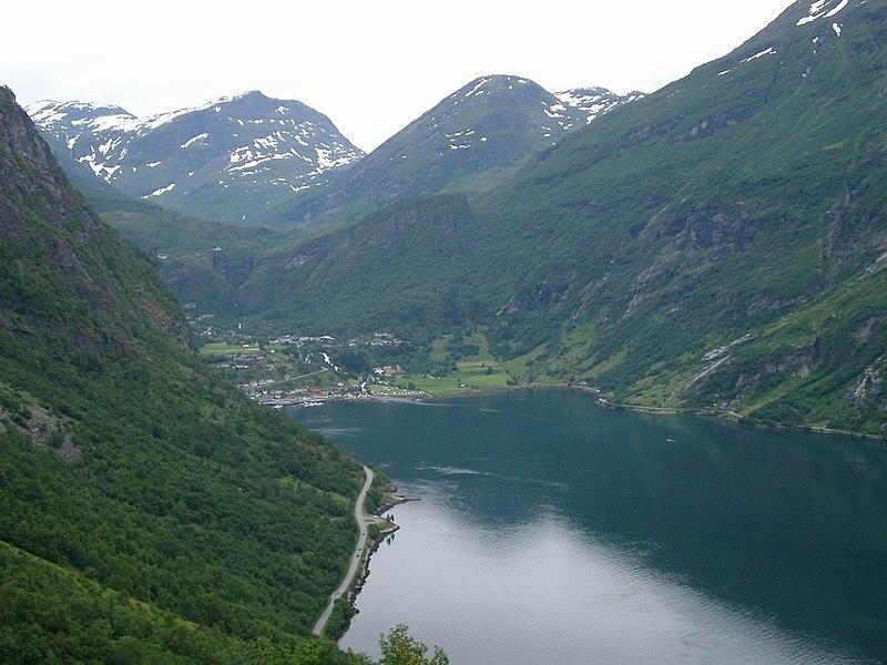Datei:Geiranger Norwegen1.JPG