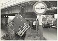 Gekantelde vrachtwagen bij de Traliebrug. NL-HlmNHA 54023717.JPG