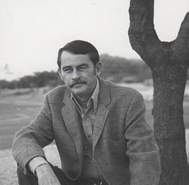 Glendon Swarthout at home in Scottsdale, Arizona.jpg