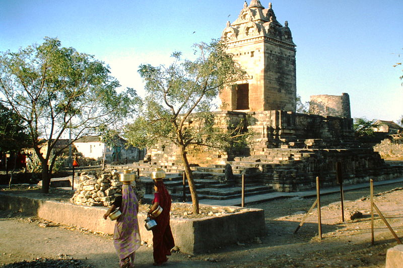 File:Gop Gupta-Tempel 1999.JPG