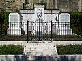 Goussainville (95), Vieux pays, monument aux morts, place Hyacinthe Drujeon.jpg