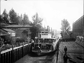 Grahamona in Willamette Falls Locks, circa 1915 (2).jpg