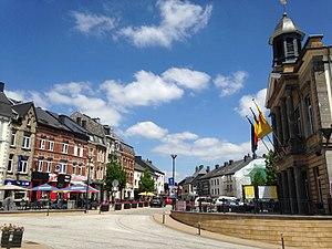 Neufchâteau, Luxembourg Province - Image: Grand Place, Neufchâteau, Belgique, 2017 2
