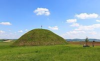 Großmugl - Hügelgrab (2).JPG