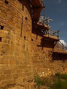 Architecture de Philippe-Auguste dans AUX SIECLES DERNIERS 220px-Gu%C3%A9delon11062004