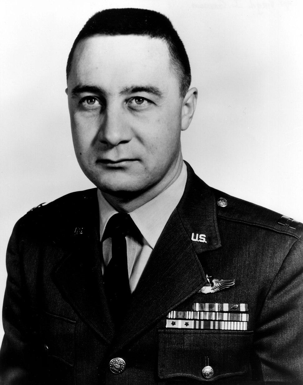 Gus Grissom photo portrait head and shoulders