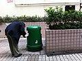 HK Mongkok Shanghai Street setting-out area recycle bin Nov-2013 可用循環再造物料分類人力機制 Human powered recycle sorting system mechanism.JPG