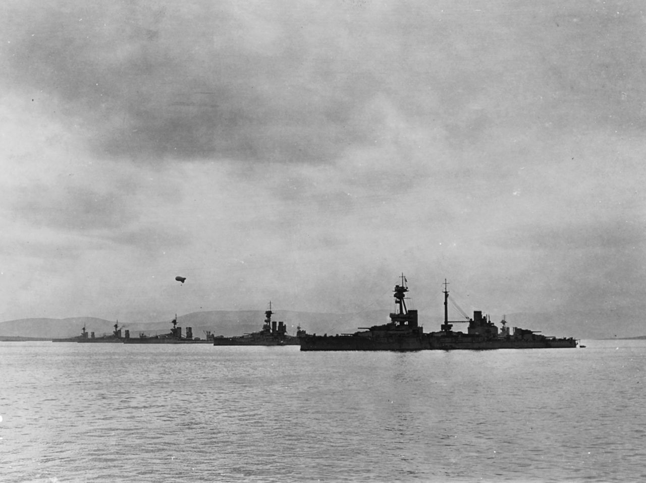 1280px-HMS_Agincourt_with_other_battlesh