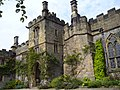 Haddon Hall, Bakewell, UK - panoramio (9).jpg