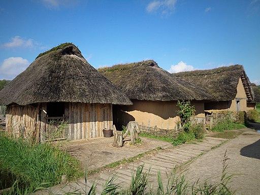 Häuser in Haithabu. Welterbe in Schleswig-Holstein