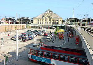 Halle–Hann. Münden railway -  Halle Hauptbahnhof; trains between Sangerhausen and Kassel run on the west side (right).