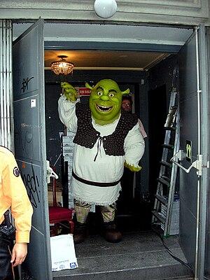 Happy Shrek Antes de entrar al preestreno de S...