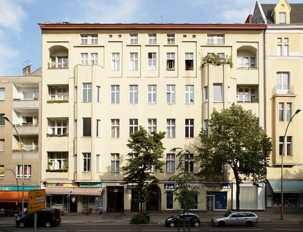 Apartment building at 155, Hauptstrasse, Schoneberg, Berlin, where Bowie lived from 1976 to 1978 Hauptstrasse 155 Berlin-Schoneberg.jpg