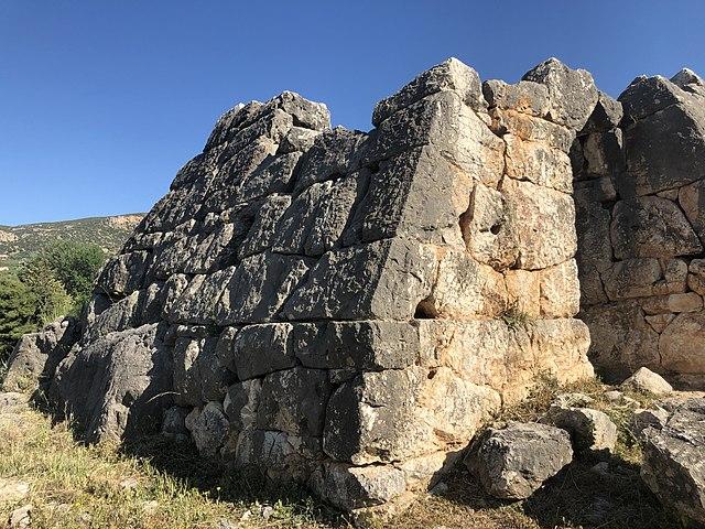 Piramide di Helleniko