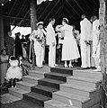 Het koninklijk paar bij het bezoek aan Barber, Bestanddeelnr 252-3746.jpg