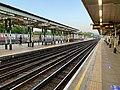 High Barnet station Platform 1 looking south.jpg