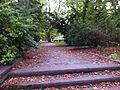 Hinterer Zutritt zur Grünanlage vor Amalienpark 1-9.jpg