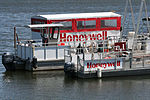 Honeywell barges 0057.jpg