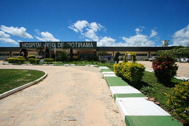Ficheiro:Hospital Regional de Ibotirama.jpg