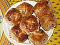 Hot cross buns from the store, Easter, April 2006.jpg