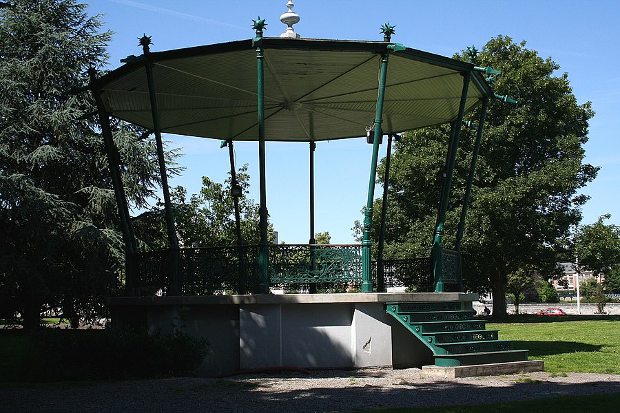 Huy   (Belgium), the bandstand of  the Delchambre's park.