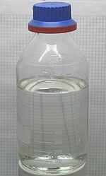 Amostra de ácido clorídrico em uma garrafa
