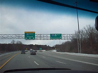 Everett Turnpike - The northern end of I-293 as viewed from I-93 northbound. The Everett Turnpike joins I-93 North at this interchange, but no sign indicates this.