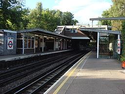 Ickenham tube station 3