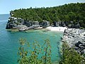 Indian Head Cove near Cyprus lake, near Tobermory, Ontario - panoramio.jpg