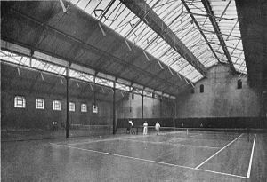 British Covered Court Championships - Image: Indoors court at the Queen's club, England, before 1903