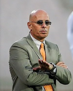 Stephen Constantine - Constantine coaching India in a match against Iran
