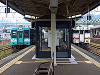 JR Shingu Station 20150428 (17303216019).jpg